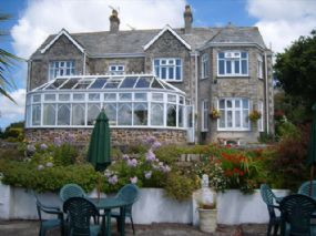 Dog Friendly Bed & Breakfast Newquay & Padstow | Dalswinton House  Cornwall